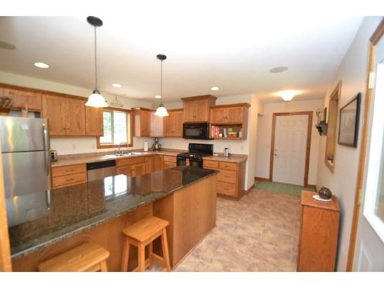 8016 Red Oak Drive, Mounds View, MN - USA (photo 4)
