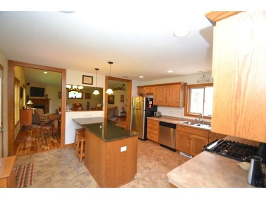 8016 Red Oak Drive, Mounds View, MN - USA (photo 5)