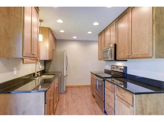 10643 Kell Avenue S, Bloomington, MN - USA (photo 2)