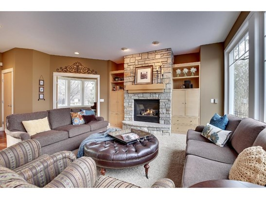 3595 Woodland Court, Eagan, MN - USA (photo 2)