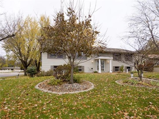 10211 Johnson Circle, Bloomington, MN - USA (photo 1)