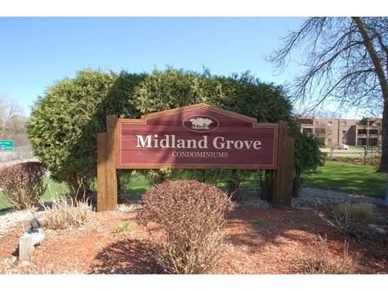 2220 Midland Grove Road #106, Roseville, MN - USA (photo 1)