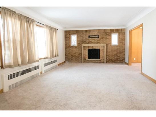 1376 Skillman Avenue W, Roseville, MN - USA (photo 2)
