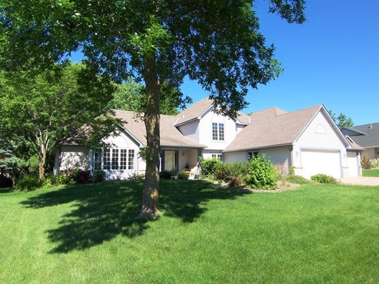 4574 Hillvale Avenue N, Oakdale, MN - USA (photo 1)