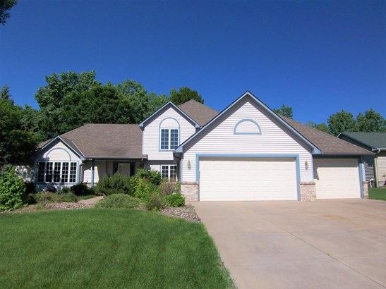 4574 Hillvale Avenue N, Oakdale, MN - USA (photo 2)