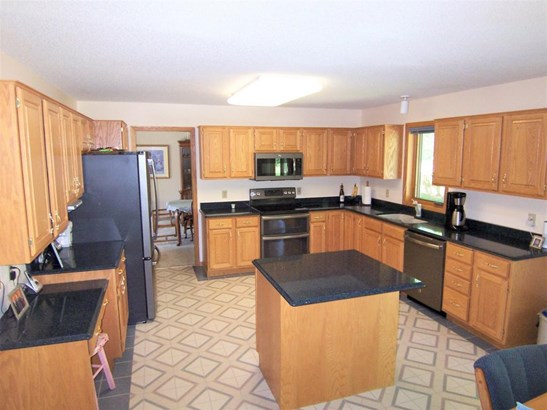 4574 Hillvale Avenue N, Oakdale, MN - USA (photo 5)
