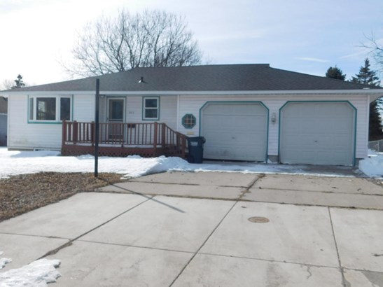 603 E Walnut Avenue, Olivia, MN - USA (photo 1)
