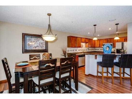 493 Stonewood Lane, Burnsville, MN - USA (photo 5)