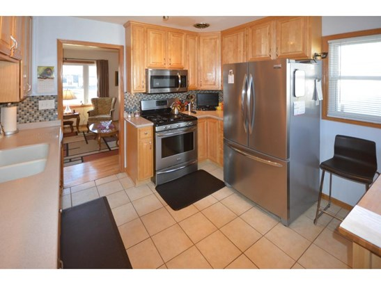 8145 Oakland Avenue S, Bloomington, MN - USA (photo 3)