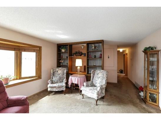 1563 Circle Lane, Burnsville, MN - USA (photo 2)