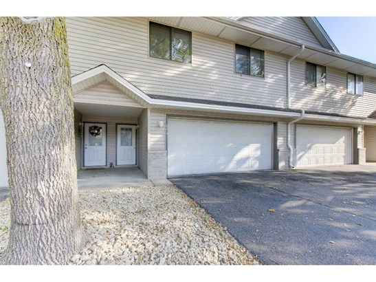 881 105th Avenue Nw, Coon Rapids, MN - USA (photo 2)