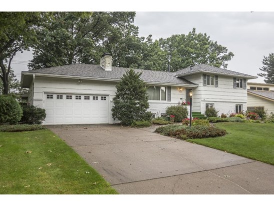 1260 Lincoln Terrace, Columbia Heights, MN - USA (photo 1)