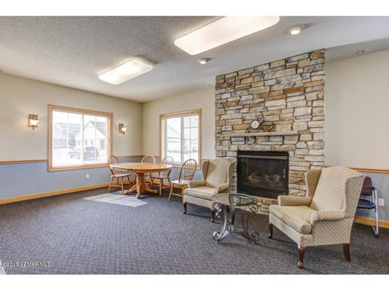 2705 Hawk Ridge Court Se, Rochester, MN - USA (photo 5)