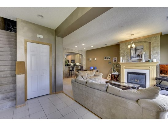 8228 Golden Valley Road, Golden Valley, MN - USA (photo 2)