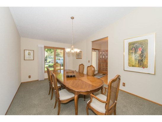 5208 Knob Hill Court, Minnetonka, MN - USA (photo 3)