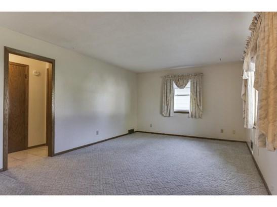 943 Pierce Street S, Shakopee, MN - USA (photo 5)