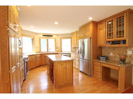 6724 Clearwater Creek Drive, Lino Lakes, MN - USA (photo 2)
