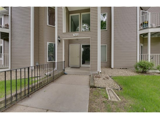 740 County Road F W #d, Shoreview, MN - USA (photo 1)