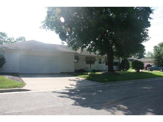 623 S East Street, Caledonia, MN - USA (photo 2)