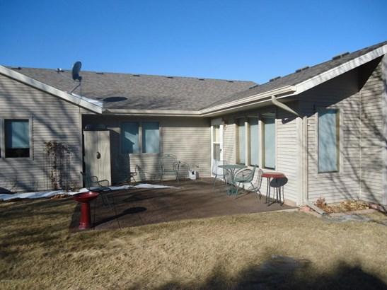2609 10th Street Sw, Willmar, MN - USA (photo 2)
