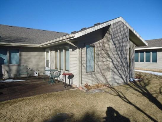 2609 10th Street Sw, Willmar, MN - USA (photo 3)