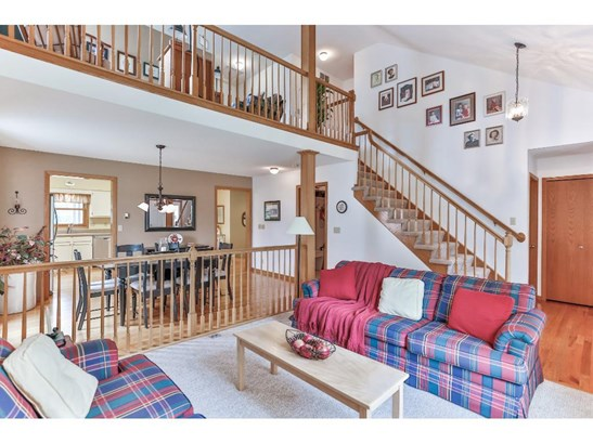 5905 Red Pine Boulevard, White Bear Lake, MN - USA (photo 3)