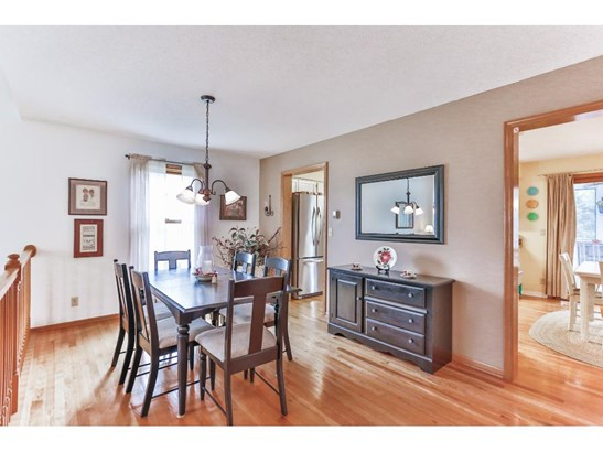 5905 Red Pine Boulevard, White Bear Lake, MN - USA (photo 4)