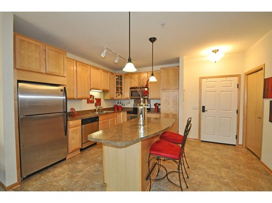7100 Metro Boulevard #205, Edina, MN - USA (photo 2)