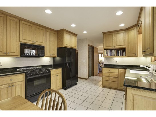 5229 Duggan Plaza, Edina, MN - USA (photo 5)