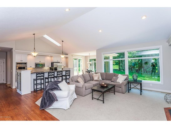 2804 Clover Place Sw, Rochester, MN - USA (photo 5)