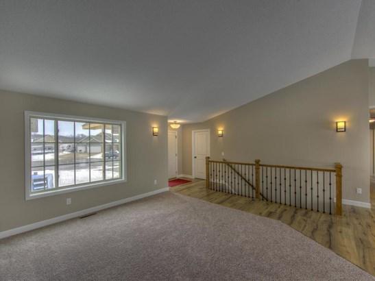 1204 Pheasant Court, Belle Plaine, MN - USA (photo 4)