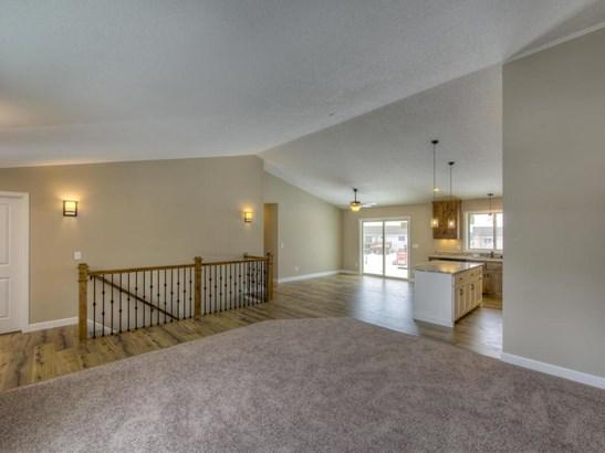 1204 Pheasant Court, Belle Plaine, MN - USA (photo 5)