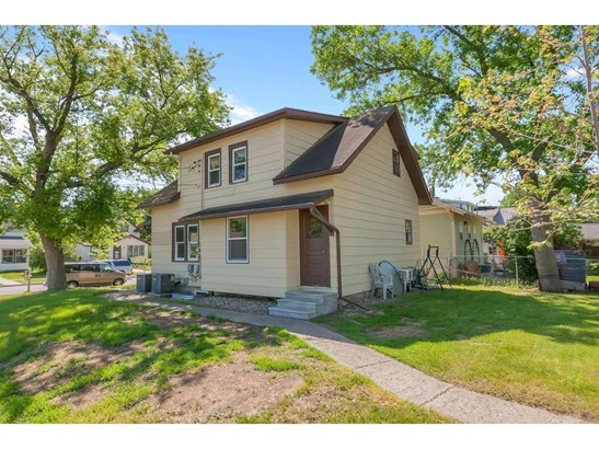 239 19 1/2 Avenue N, St. Cloud, MN - USA (photo 2)