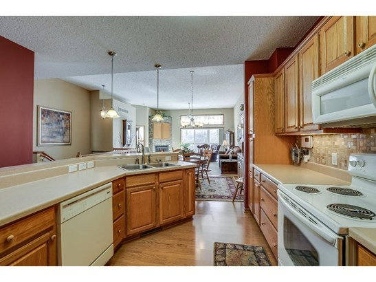 4548 Bloomberg Circle, Inver Grove Heights, MN - USA (photo 3)