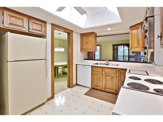 5901 Laurel Avenue #220, Golden Valley, MN - USA (photo 4)