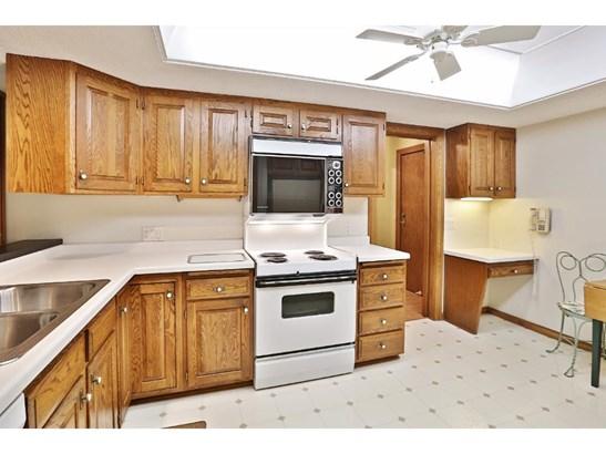 5901 Laurel Avenue #220, Golden Valley, MN - USA (photo 5)