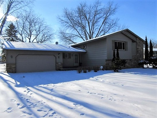720 Tanglewood Drive, Shoreview, MN - USA (photo 2)
