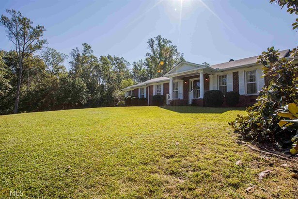 Single Family Detached, Ranch - Summerville, GA (photo 4)