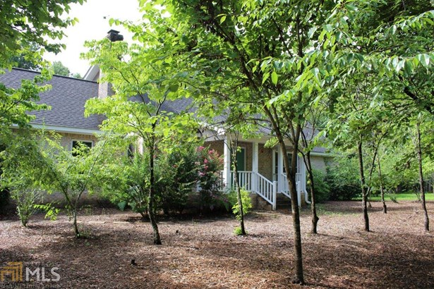 Single Family Detached, Traditional - Armuchee, GA (photo 1)