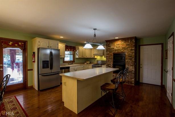 Single Family Detached, Traditional - Calhoun, GA (photo 3)