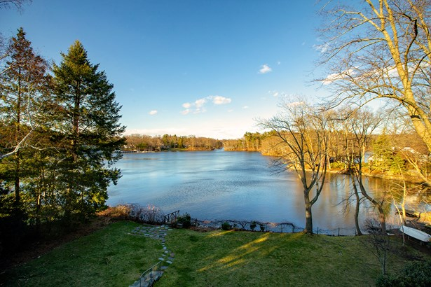 6 Robinson Park, Winchester, MA - USA (photo 1)
