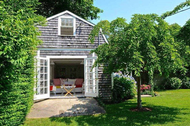 110 Irving Avenue, Hyannis Port, MA - USA (photo 2)