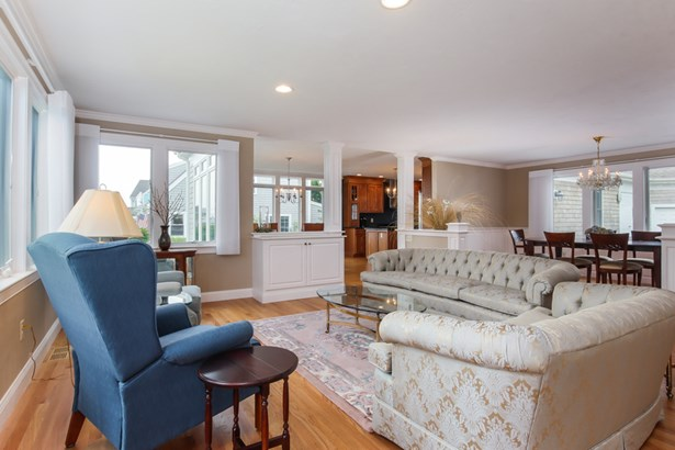 56 Old Harbor Road, Hyannis, MA - USA (photo 5)