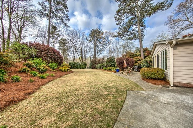 5076 Pine Bark Circle, Dunwoody, GA - USA (photo 2)
