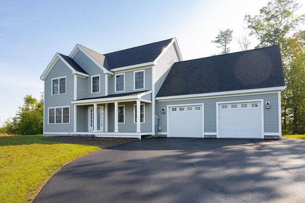 Colonial, Single Family - Epping, NH