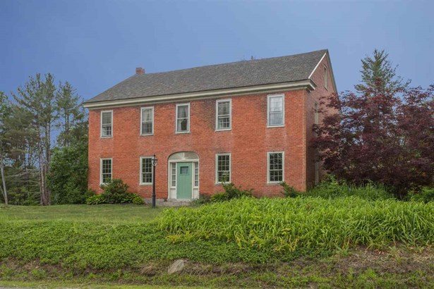 Colonial, Single Family - Brentwood, NH (photo 1)