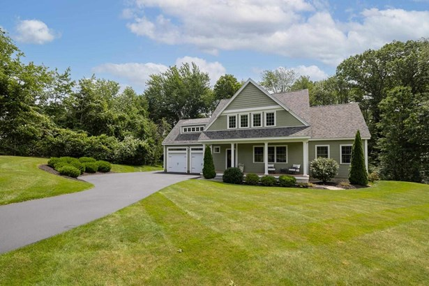 Contemporary, Single Family - Stratham, NH