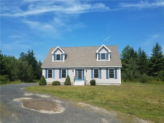 Single Family Residence, Cape - Saint George, ME