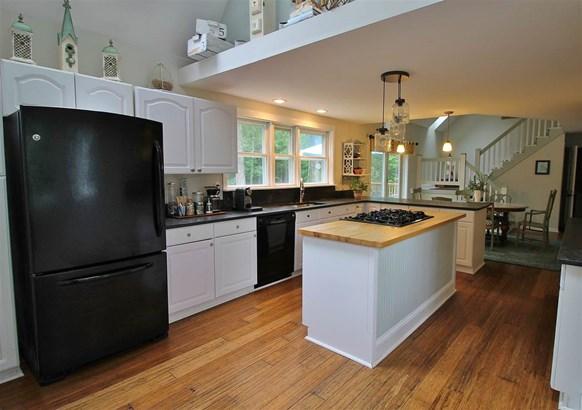 Saltbox, Single Family - Hampton, NH (photo 4)