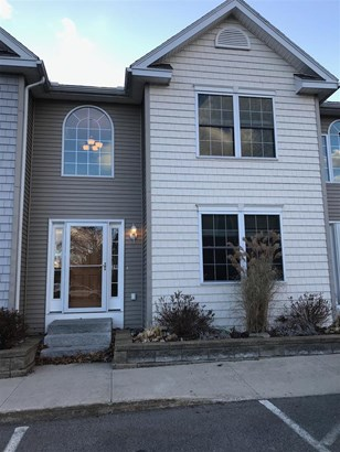 Condo, Multi-Level,Townhouse - Berwick, ME (photo 1)